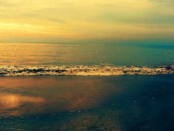 Beach_by_divalynn