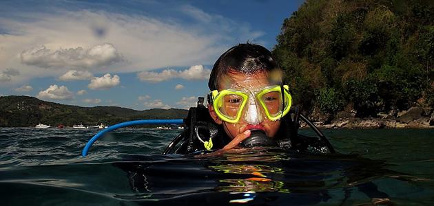 kid scuba diving in anilao batangas